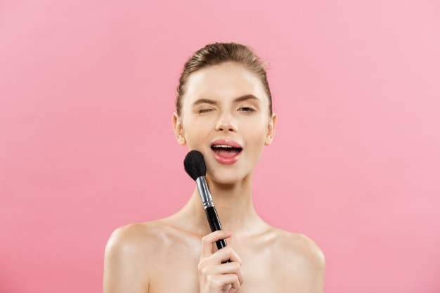 Master the 'No-Makeup' Makeup Look with Jeunesse